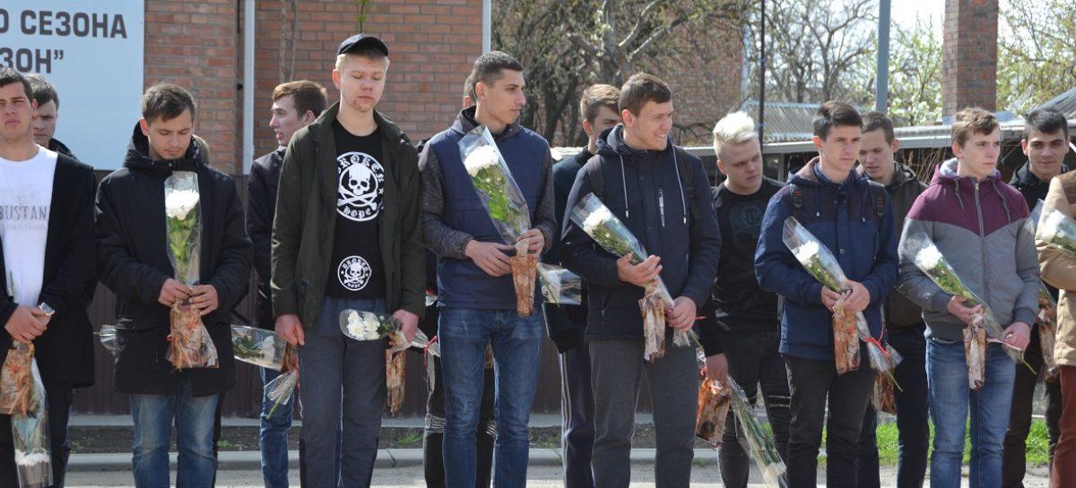 Молодые сальчане готовятся пополнить ряды Вооружённых Сил России