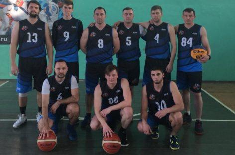 Сальчане продолжают болеть за баскетболистов в ДЮСШ
