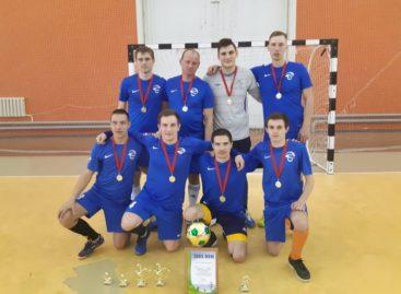 Мини-футбол в Сальске: призеров высшей лиги «МаксиДент» наградили в Целине