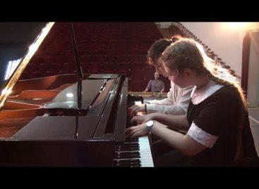 Юные сальские музыканты показали себя на конкурсе «Русские узоры»