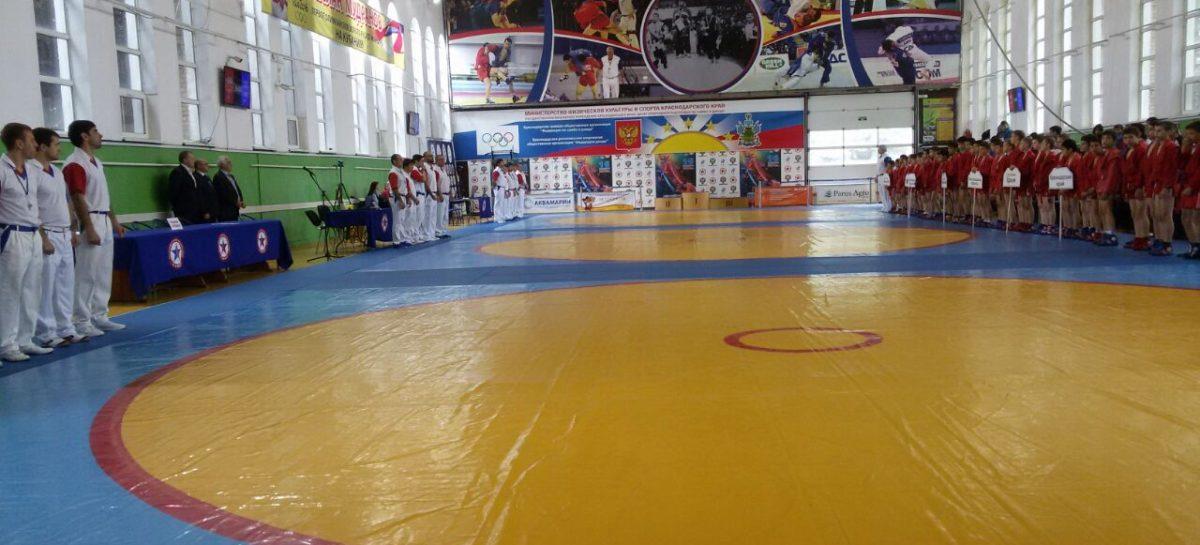 Сальский спортсмен стал третьим в ЮФО по самбо
