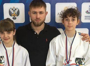 Сальские дзюдоистки завоевали медали на соревнованиях в Армавире