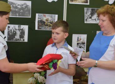 Потомки героя-летчика, защищавшего Сальск, приехали почтить его память