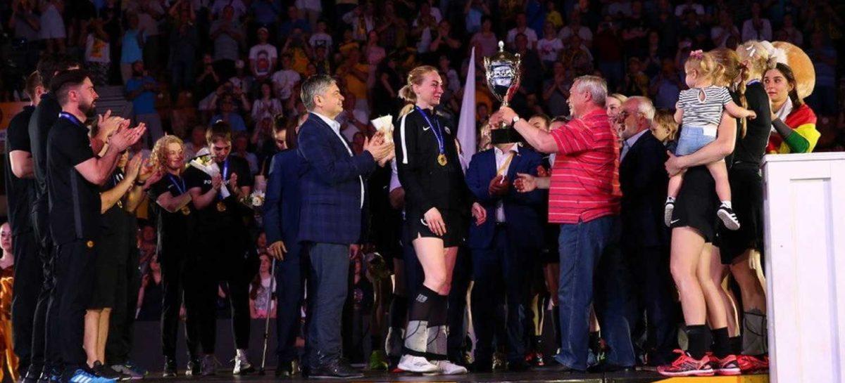 Василий Голубев поздравил донских гандболисток с победой в чемпионате России