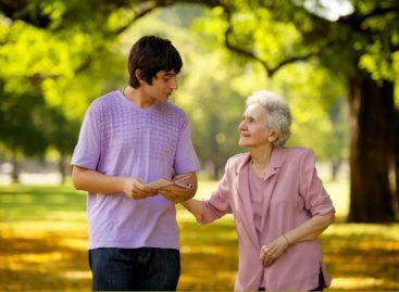 На Дону ищут эффективные проекты поддержки людей старшего поколения