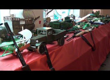 Сальские школьники соорудили макеты военной техники