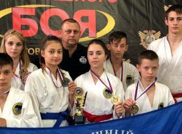 Семь медалей Всероссийского турнира добыли сальские рукопашники