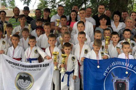 Сальские рукопашники стали лучшими на турнире в поселке Орловском