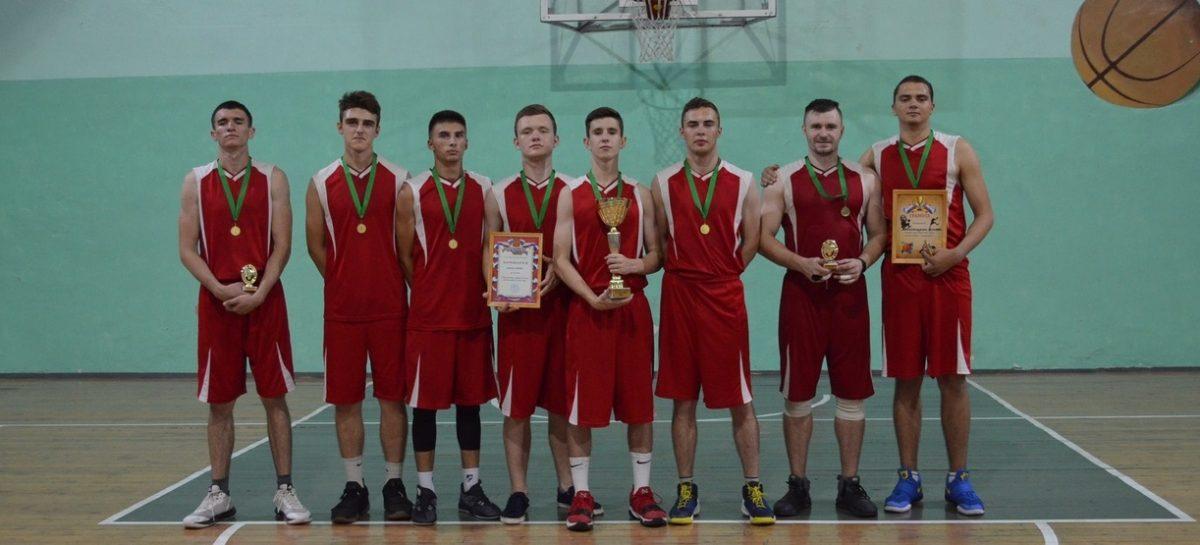 Самую сильную баскетбольную команду в Сальске узнали на городском чемпионате