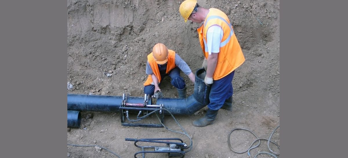 На ремонт аварийных участков водопровода Шахтам выделено около 7 млн рублей