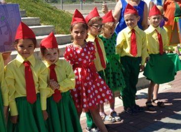 В Батайске дети поучаствовали в акции «Зеленый — цвет жизни»