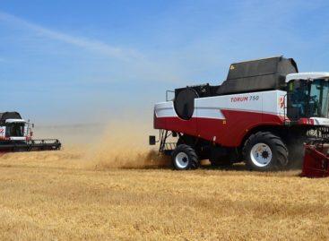 Южные хозяйства Ростовской области завершают уборку ранних зерновых