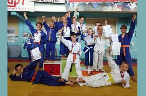 Сальские дзюдоисты показали класс на татами в Таганроге