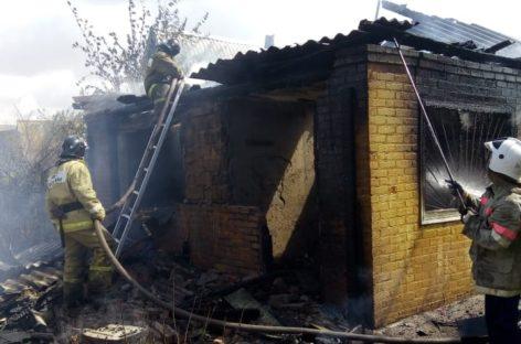 В дачном посёлке на Бровках в пожаре чуть не погиб мужчина
