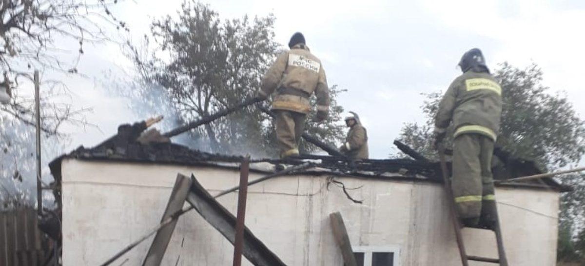 В Новом Егорлыке из-за короткого замыкания случился пожар