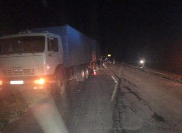 Под Сандатой водитель «девяностодевятки» врезался в КамАЗ, а после и «Hyundai Accent»