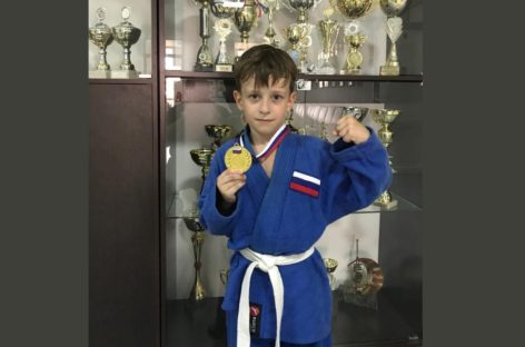 Семилетний сальчанин Дима Журавлев установил мировой рекорд