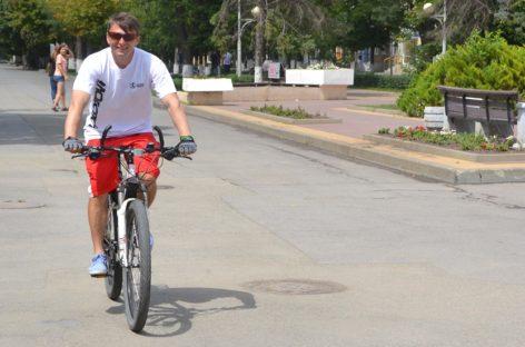 #пермякедет: в Сальске побывал велопутешественник, который едет в Сочи