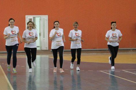 Работники МФЦ Сальского района приняли участие в спортивном празднике «Мой забег!»