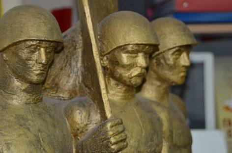 Памятник, который ждет: уже 44 года монумент сальским ополченцам, дошедшим с боями до Эльбы, готов к воплощению