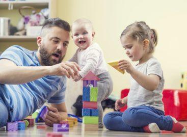 Материнский капитал 28 сальских семей направили на образование детей
