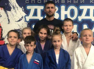 Сальские дзюдоисты даром время не теряли: привезли медали из Белой Калитвы, Таганрога, Волгограда