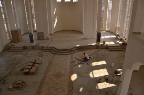 Работа кипит, службы идут: как идет строительство сальского собора Кирилла и Мефодия