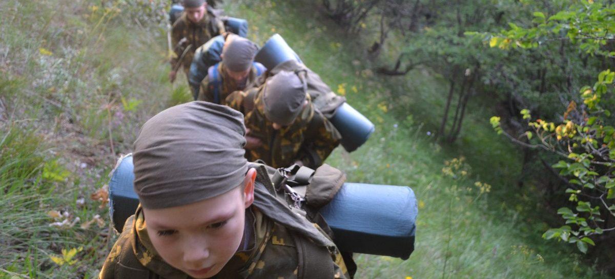Доклад из Крыма: юный сальчанин, побывав в необычном лагере, на себе испытал будни практически армейской жизни