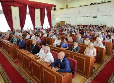 Василий Голубев поручил подготовить предложения о передаче ряда налогов на муниципальный уровень