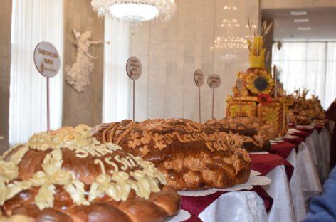 Сальский район отметили в числе лидеров по намолоту хлеба