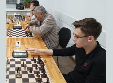 Сальский шахматист Максим Чипига завоевал третье место на чемпионате Ростовской области по быстрым шахматам среди мужчин