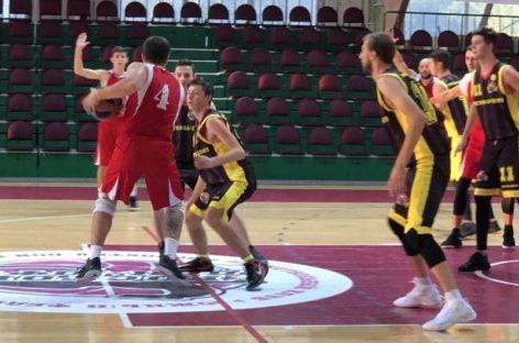 Первая победа: сальские баскетболисты успешно начали выступление на областных соревнованиях