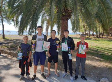 На ринге в Пицунде: сальские боксеры привезли медали из Абхазии