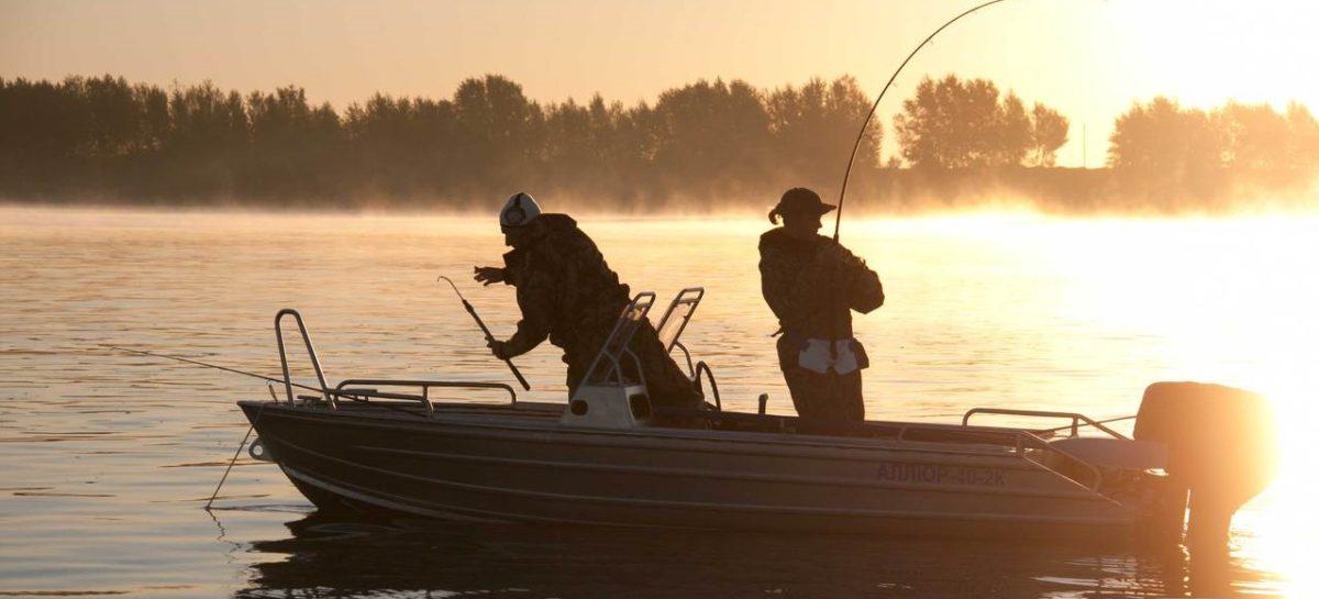Сальских рыболовов призывают быть осторожными на осенней рыбалке