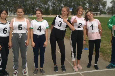На стадионе «Локомотив» прошел зональный этап региональной Спартакиады школьников по сдаче норм ГТО