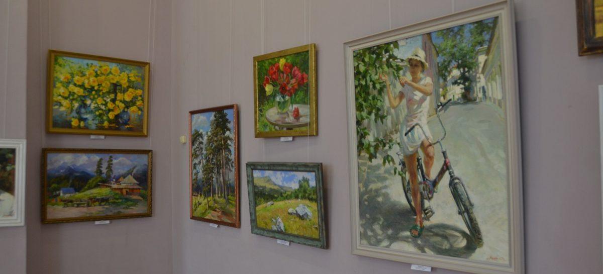 Такая яркая осень… В художественном музее им. В.К. Нечитайло работает традиционная выставка «Наш край степной»