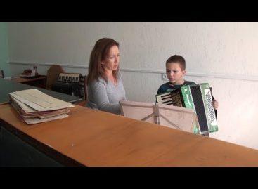 Во второй школе искусств Сальска — новые кадры