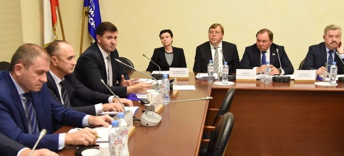 Накануне принятия федерального бюджета в Госдуме опробован новый формат рассмотрения перспектив развития Ростовской области