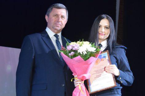 В Сальске праздничным концертом отметили День полиции