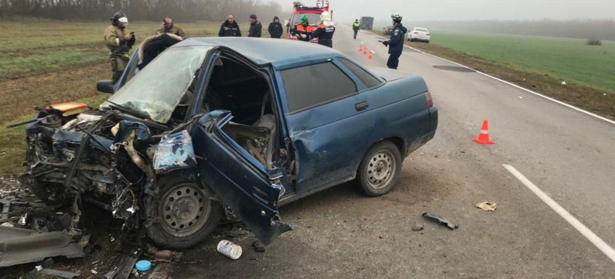 В лобовом столкновении «десятки» и «Приоры» погибли трое человек, в том числе и трёхлетний ребёнок