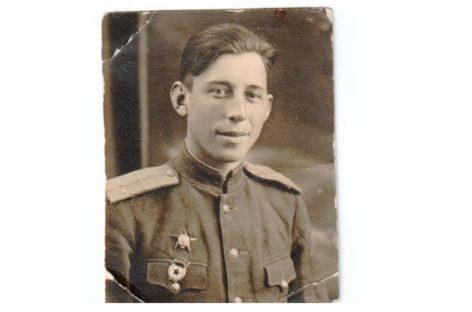 «Честь — важнее всего»: 100 лет исполнилось со дня рождения легендарного директора школы № 1 Василия Дадонова