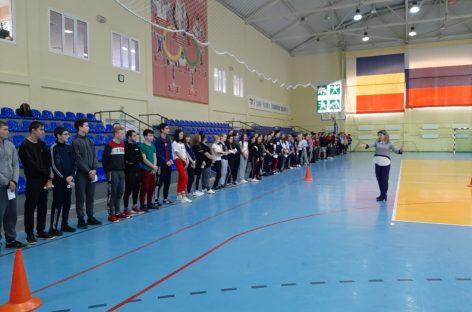 На ГТО – всем техникумом! Сальские студенты сдавали нормативы