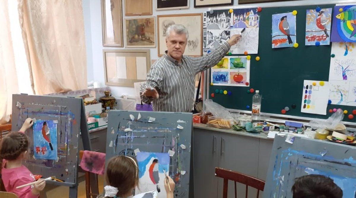 Не портретист, не пейзажист — картинщик: какие работы войдут в очередную персональную выставку Сергея Мацкиева?