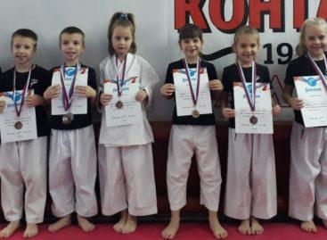 В Приречном на турнире «Ступени к мастерству. Этап III» сразились младшие каратисты