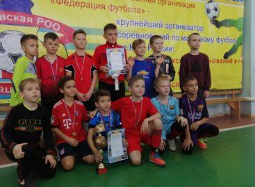 За три минуты до финала: сальские мальчишки вырвали победу по мини-футболу у команды Волгодонска