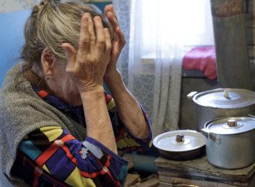 В Сальске мошенницы выманили у 96-летней пенсионерки семь тысяч рублей