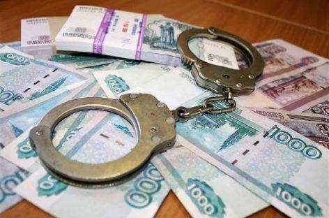 Замначальника расчётного центра образования Сальска осудили за мошенничество на реальный срок