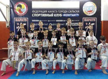 В Сальске прошли соревнования по каратэ WKF «Ступени к мастерству. Этап IV»