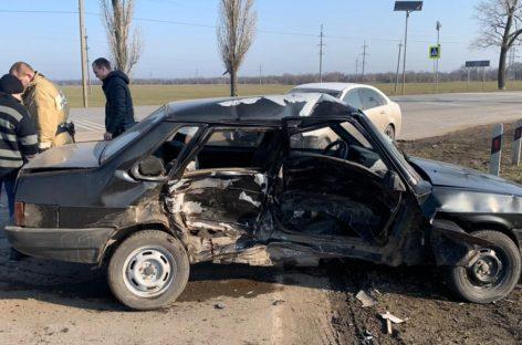 Житель Гиганта подставил бок своей «девяносто девятой» встречному автомобилю