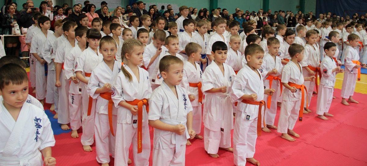 Сальские каратисты киокусинкай вернулись с наградами из Новочеркасска